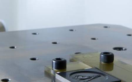 Boutroué produces embossed stamps from carbide with the LASERTEC 40 Shape (Pico).